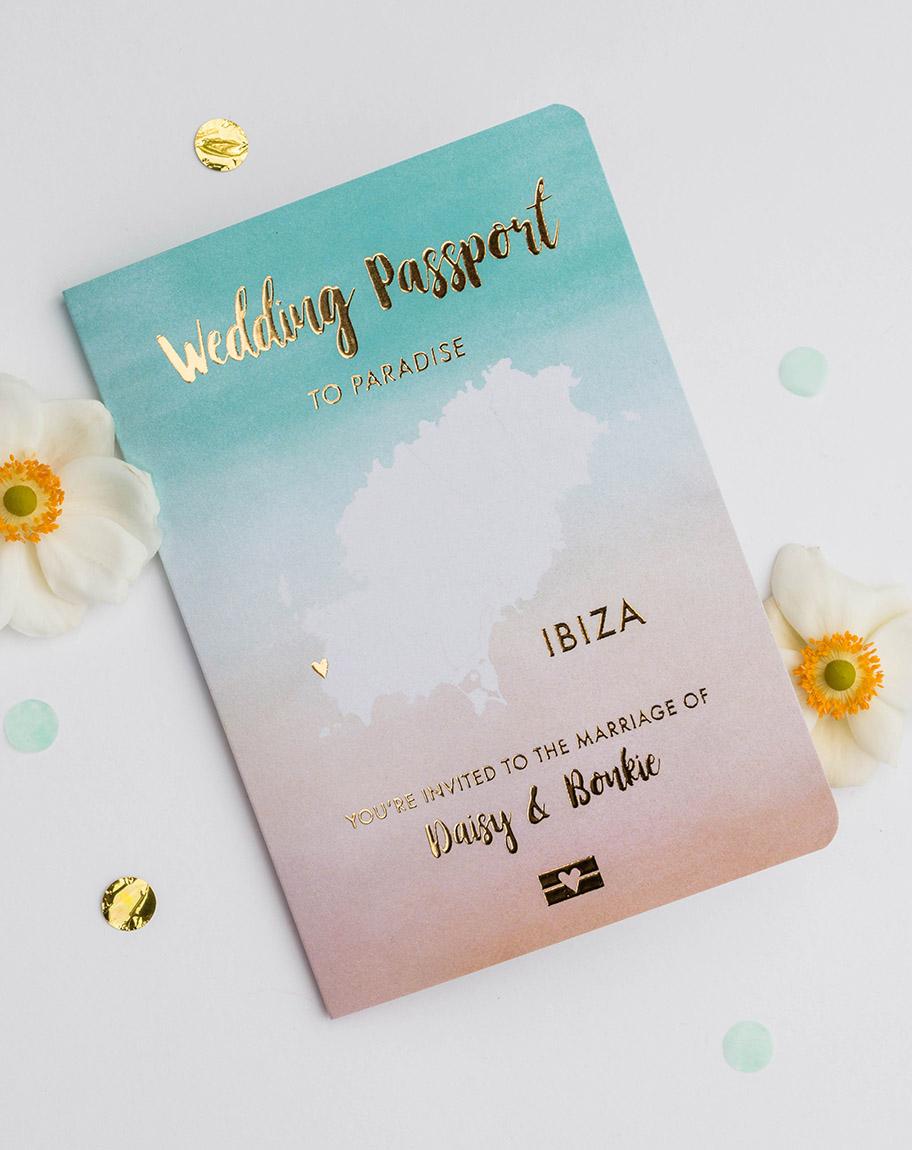 Trouwkaart wedding paspoort met goudfolie