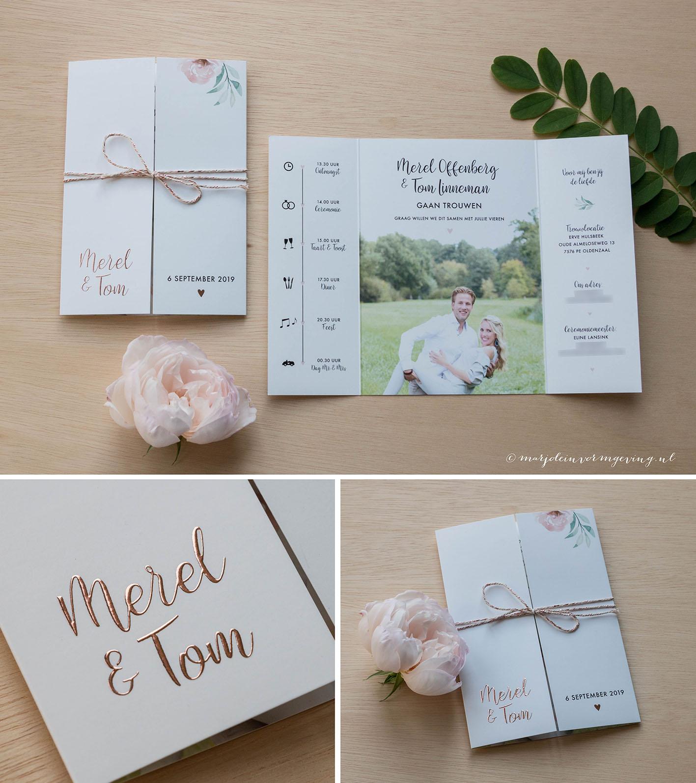 Trouwkaart op maat in formaat luikvouw met koperfolie en bloemen
