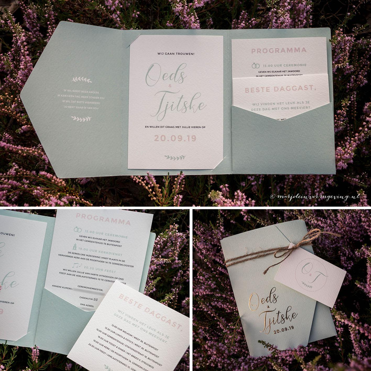 Trouwkaart op maat in formaat pocketfold met goudfolie in mintgroen