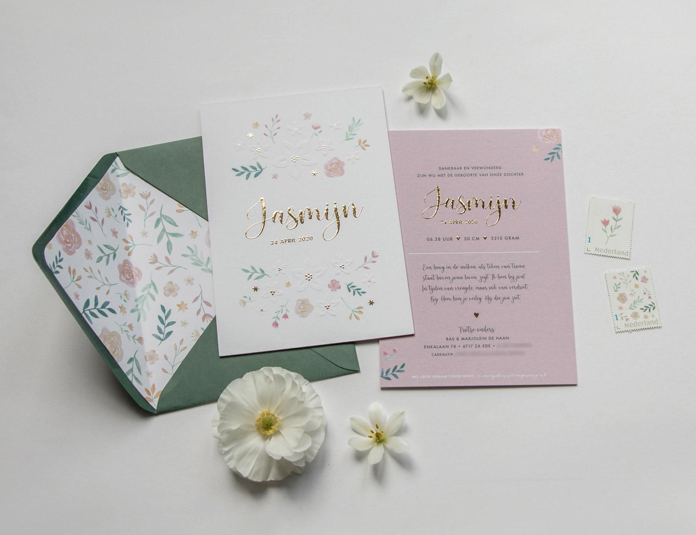 Geboortekaartje op maat goudfolie preegdruk bloemen